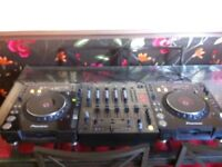 2 x Pioneer CDJ1000 Mk3 + Pioneer DJM600 mixer (Cables all included)