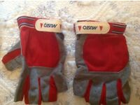 Musto short fingered Sailing Gloves NEW. Size L/XL
