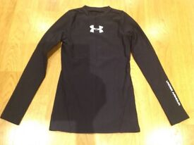 Sports Top. Long sleeved base layer. Under Armour. Size: Youth Medium