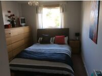 ROOM TO LET IN NEWTONHILL....MONDAY TO FRIDAY PREFERED