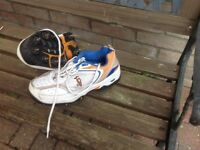 kookabura cricket spikes , size 5