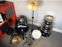 Tiger 5pc drum set, in very good condition