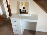 Immaculate white wood grain Dressing Table and Mirror.