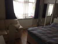1 BED ROOM FLAT TO LET, RENT £850 PER MONTH INCLUDING BILLS