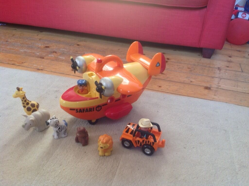 Toy safari plane with car, 2 people and 5 animals (ELC)