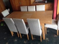 OAK DINING TABLE EXTENDABLE & 8 CHAIRS *****Bargain******