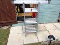 Aluminium extending ladder, extends to 3.34m