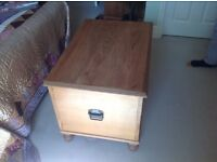Lovely pine chest, very good condition, 80x50x56cm