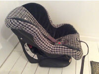 Britax Reclining Car Seat in Lovely Clean Condition.