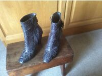 Ladies patentant boots grey size 35 maker Mariam Spain