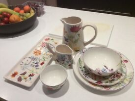 M & S 'Spring Meadow' 8 Place dinner set