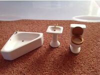 Dolls' house bathroom furniture.