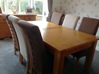 Extending Solid Oak Dining Table And 6 Fabric Chairs In Very Good Condition