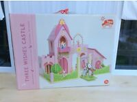 Le Toy Van Three Wishes Castle wooden play set - New