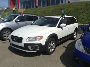 2010 Volvo XC70 3.2 A, AWD, MAGS, TOIT