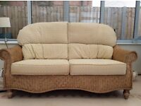 Daro conservatory suite comprising large 2 seater settee, 2 chairs & round glass topped table