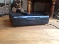 Sony CD player M305
