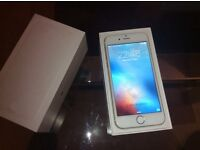 IPHONE 6 WHITE & GOLD 16GB WITH BOX AND CHARGER