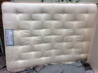 Double mattress (hardly used and very clean)