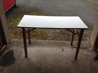 Robust folding table