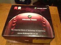 Drakes Pride Professional 3H bowls - black