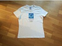 "WHITE AUTHENTIC ""ATHENS 2004"" SHORT SLEEVED T-SHIRT SIZE 36"" BUST"