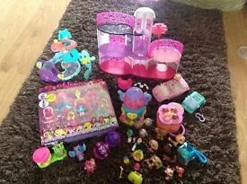 Assorted girls play sets including mini Barbie/zoobles/squinkies