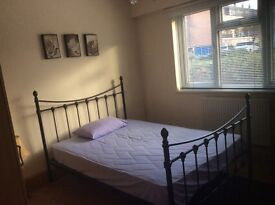 double bedroom, South Ealing