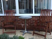 2xrecline wooden garden chairs & Table