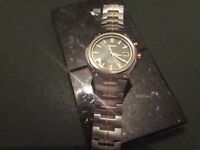 FANTASTIC Seiko 5M62 two tone gold and stainless steel kinetic, 100m water resistant; NEAR MINT.