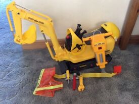 Building machine micro excavator + pneumatic drill , hat , little jacket and tool belt