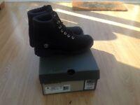 Women's size 6 black nubuck Timberland boots