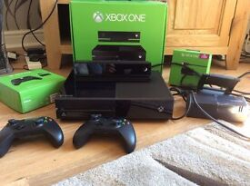 Xbox One 500GB with Kinect and 2 Controllers + Games