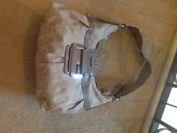 USED GUESS HANDBAG IN VERY GOOD CONDITION