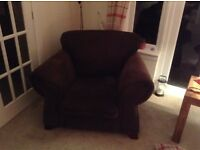 2 piece dark brown suite - 3 seater and an armchair - great condition!