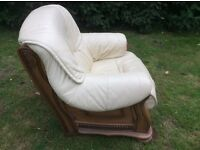 3 piece suite in cream leather hardly used in good condition