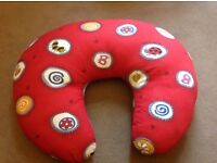 Feeding/baby support pillow