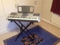 Yamaha PSR E403 Electric Keyboard - £70