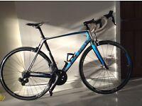 Cube carbon fibre bike with electronic gear shift 58cm.