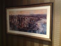 New York skyline picture in excellent condition