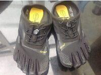 Vibram five fingers women's fitness shoes