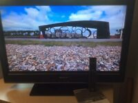 "Unmarked Sony Bravia 32"" tv in full working order. Working remote included."