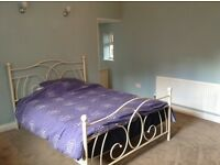 Lovely, comfortable large double room to let in Heanor