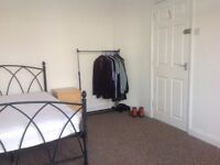 ALL INCLUSIVE double room with ensuite in shared house SN2 £520 pcm