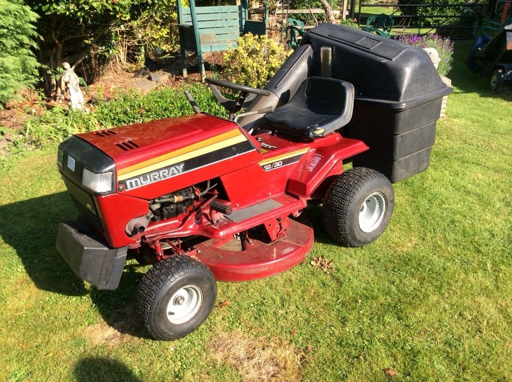 Murray 12/30 Sit On Mowerin West End, HampshireGumtree - Murray 12/30 mower for sale. Good working order from new. 12hp Briggs and Stratton engine. Removeable grass collection bins. New drive belt. 5 gears plus reverse. Front lights. Selling due to upgrade