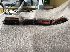 Hornby electric train oo LMS 16037 with carriages