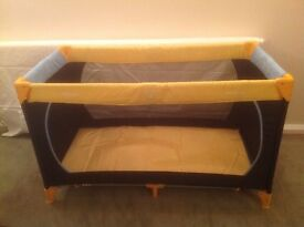 Dream' Play Travel Cot by Hauck