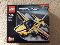 LEGO 42044 Technic ( Stunt Plane ) Display Team Jet