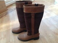Womens size 5 Ariat Yard / Country Boots