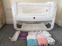 Snuzpod2 white 3in1 bedside crib - mattress & protector, six sheets and blanket